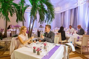 Therme Erding Restaurant Empire