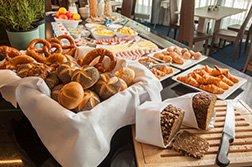 Therme Erding Victory Gästehaus Breakfast Room